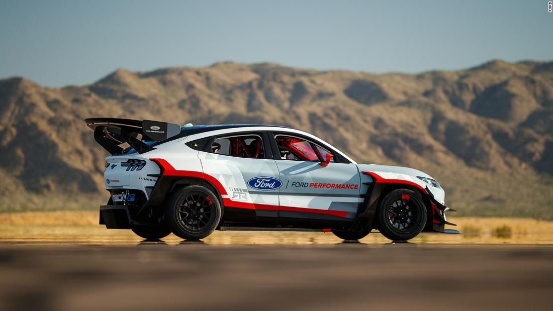 Ford Reveals An Electric Mustang Mach E Suv With 1 400 Horsepower Cnn
