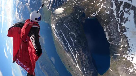 bjorn magne bryn skydive base jump stetind team onecall norway spt intl lon orig_00000000.jpg