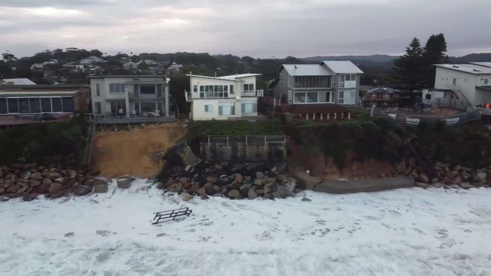 Luxury Homes In Australia Are Falling Into The Ocean Due To Coastal Erosion Cnn