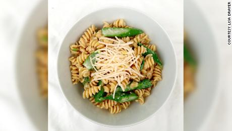This lemony pasta features asparagus, which has mood-boosting folate.