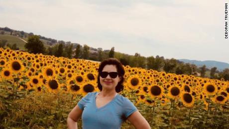 Deborah Trueman durante una visita de 2018 a Bevagna, Italia.