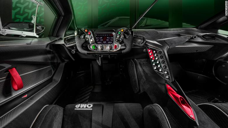 The Lamborghini Essenza SCV12's steering wheel is modeled on a Formula 1 racecar steering wheel.