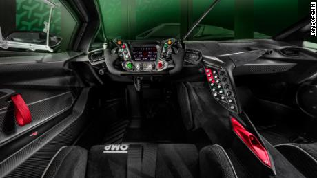 The steering wheel of the Lamborghini Essenza SCV12 is modeled on a Formula 1 steering wheel.