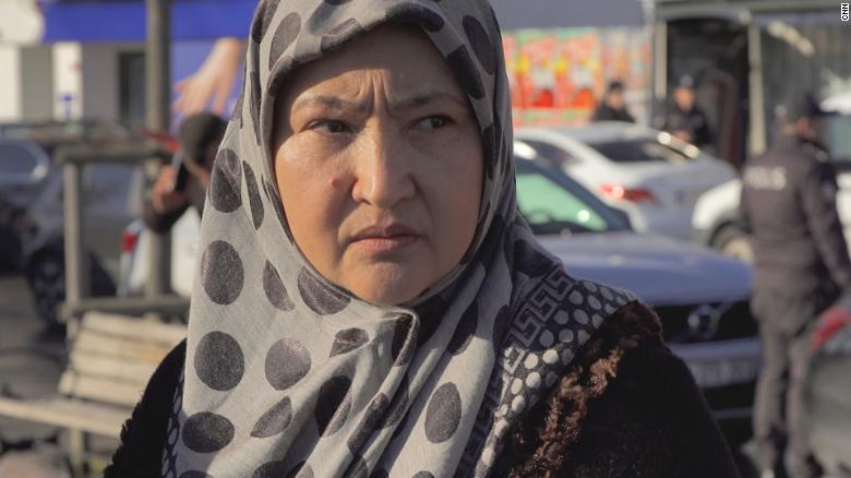 Uygur sürgünü Gulbakhar Jalilova, Sincan'daki gözaltı merkezlerinde tutulurken cinsel tacize uğradığını söyledi.