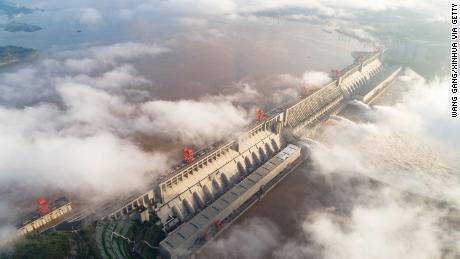 Le barrage des Trois Gorges de Chine est l'un des plus grands jamais créés. Cela en valait-il la peine?