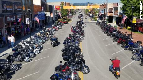 Biker Rally Expects 250 000 People But Not Requiring Masks Cnn Video