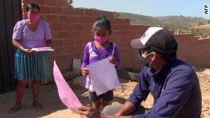 Bolivia cancela año escolar para 2 millones de niños por Covid-19