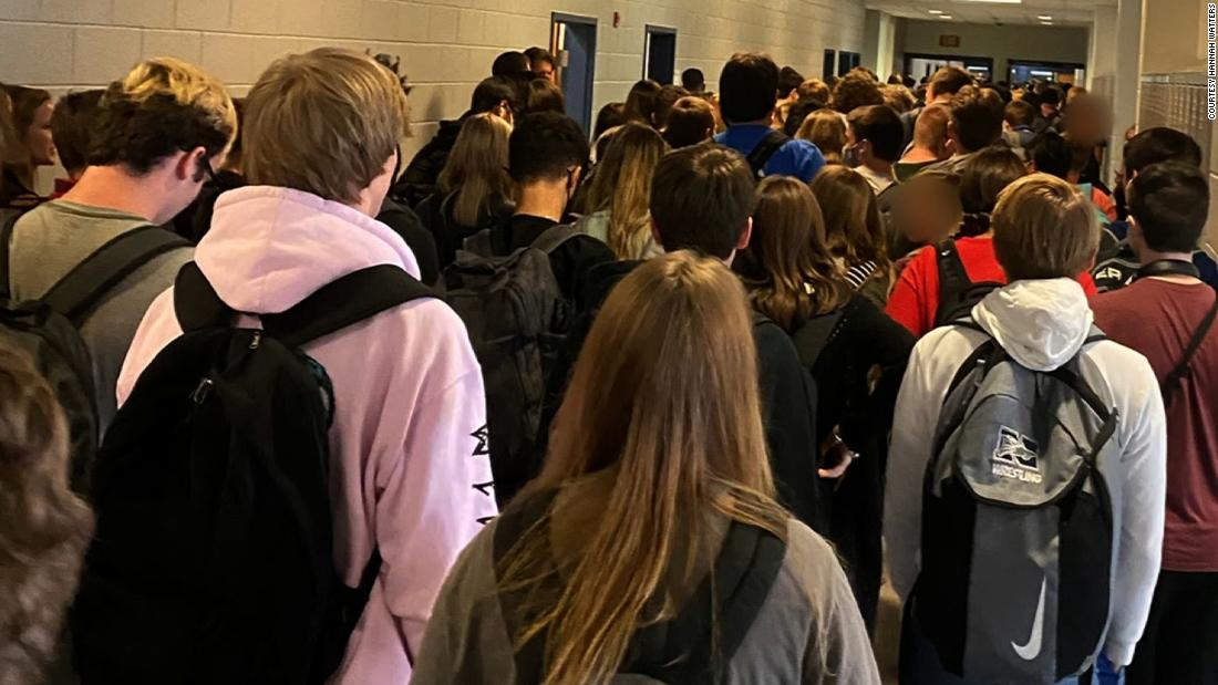 Suspension dropped for teen who took photo of crowd at school