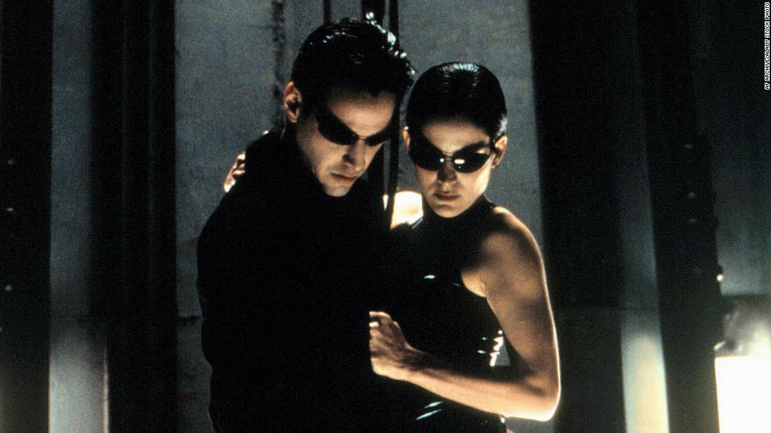 Theo Netflix và đồng đạo diễn 'The Matrix' là một câu chuyện chuyển thể như thế nào