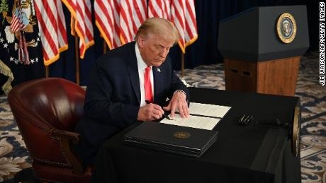 Trump signs executive actions after stimulus talks break down on Capitol Hill
