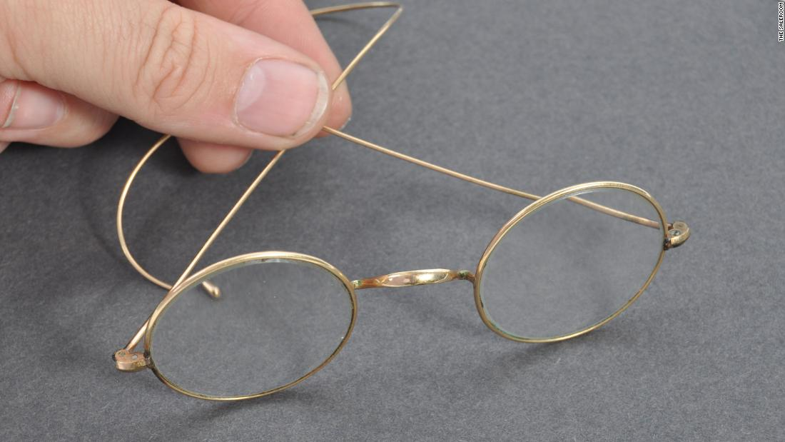 Gandhi's glasses, worth more than $19,000, were left hanging out of an auctioneer's letterbox