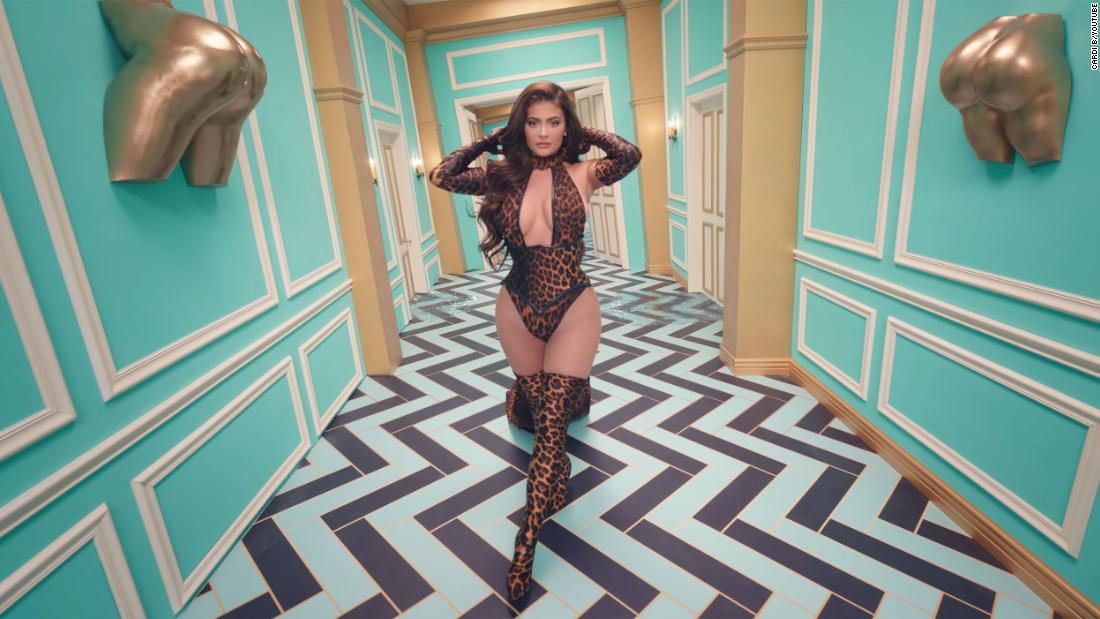 200809154002 kylie jenner wap video backlash super tease.