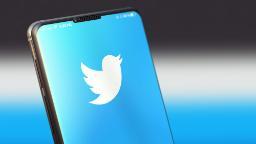 200810110327 02 twitter phone stock hp video