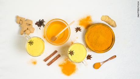 Yellow milk tea