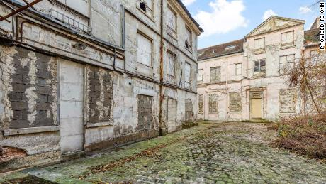 A 30-year-old corpse was discovered in the basement of a mid-18th century Paris mansion, which sold for $41.2 million this year.