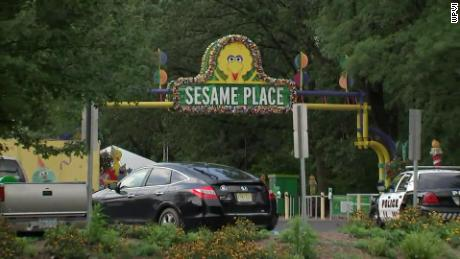 Children's theme park employee punched in the face for enforcing park's mask policy