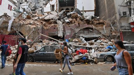 Een jaar na de enorme explosie in Beiroet is de crisis in Libanon verergerd