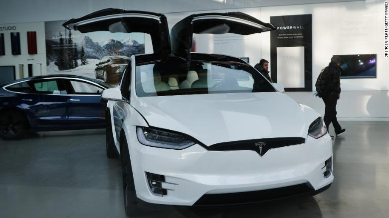 Apple and Tesla just announced stock splits. Here's what that means for your investments