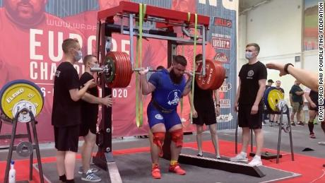 Power lifter Alexander Sedykh fractured both knees while trying to squat nearly 900 pounds.