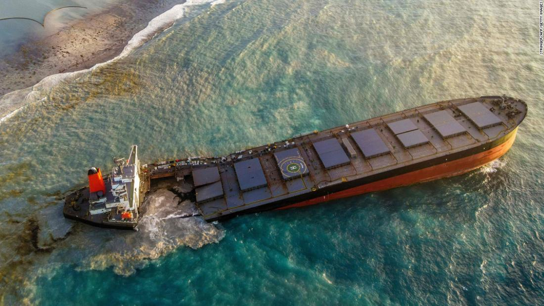 A cargo ship leaking tons of oil off the Mauritius coast has split in two – CNN