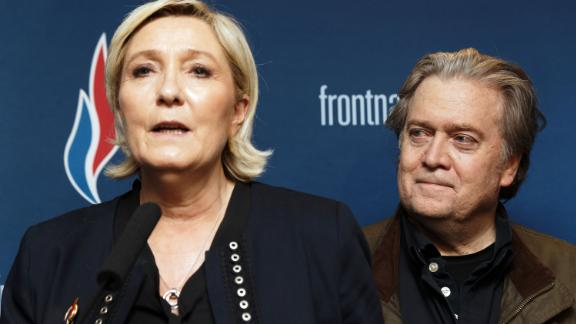 Marine Le Pen, president of France's far-right party Front National, and Bannon give a joint press conference during the party's annual congress in March 2018.
