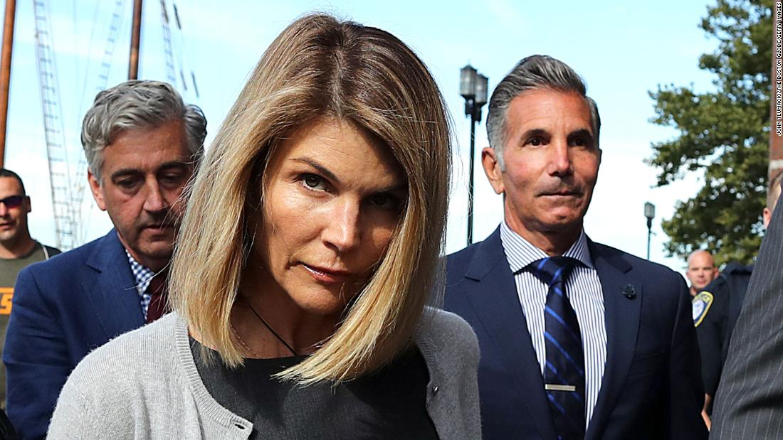 Lori Loughlin begins two-month prison sentence in college admissions scandal – CNN