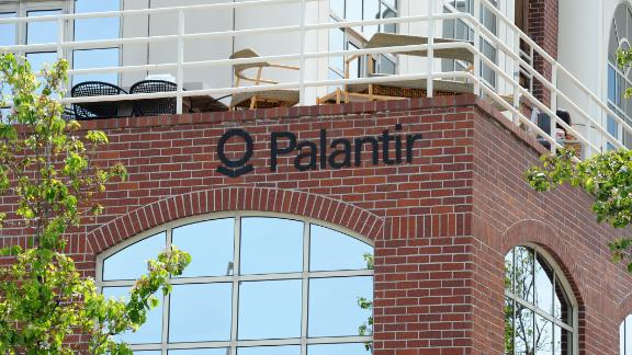 10 May 2018, US, Palo Alto: The logo of the data analysis company Palantir can be seen at the company's headquarters. (to dpa ''Palantir chief defends work for security authorities' (Credit Image: © Andrej Sokolow/DPA via ZUMA Press)