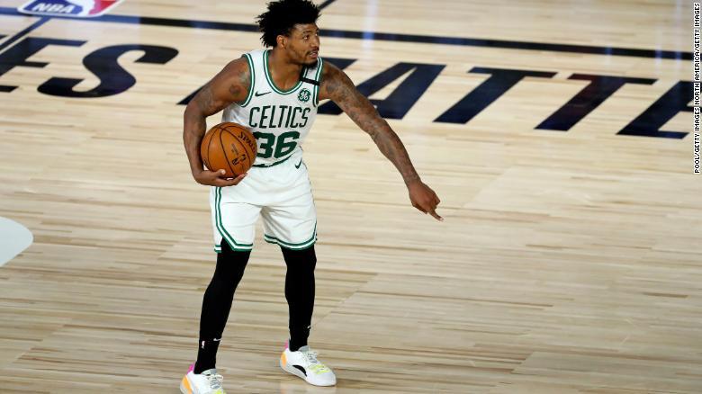 Panggilan cerdas untuk bermain selama pertandingan melawan Philadelphia 76ers.