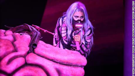 Lady Gaga S Masks Were The Real Winner Of The Mtv Vmas Cnn