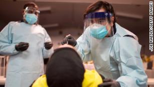 Gli Stati Uniti hanno appena superato i 6 milioni di casi di coronavirus in circa 7 mesi.  Quello che succede dopo dipende da te, dice Birx