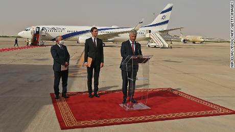 O'Brien delivers a speech after US and Israeli officials arrived in Abu Dhabi on board the Israeli flight.