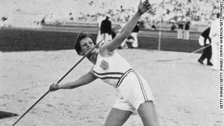 Zaharias throws the javelin to win the gold medal during the 1932 Olympic Games.