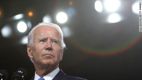 US authorities investigate whether recently published emails are related to Russia's disinformation efforts against Biden