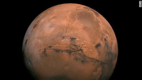 Colonizing Mars could be dangerous and ridiculously expensive. Elon Musk wants to do it anyway