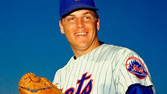 """Hall of Fame baseball pitcher <a href=""""http://www.cnn.com/2020/09/02/us/tom-seaver-dies-spt-trnd/index.html"""" target=""""_blank"""">Tom Seaver</a>, a three-time Cy Young Award winner and 12-time All-Star, died from complications of Lewy body dementia and Covid-19, the National Baseball Hall of Fame said on September 2. He was 75."""