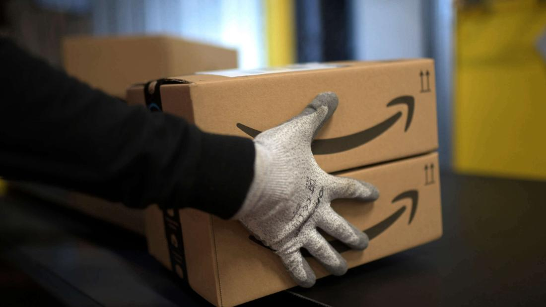 Thousands of workers petition Amazon for paid time off to vote  image