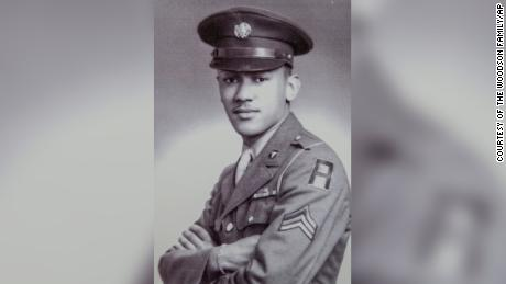Cpl. Waverly Woodson Jr. saved dozens of Allied troops on D-Day.