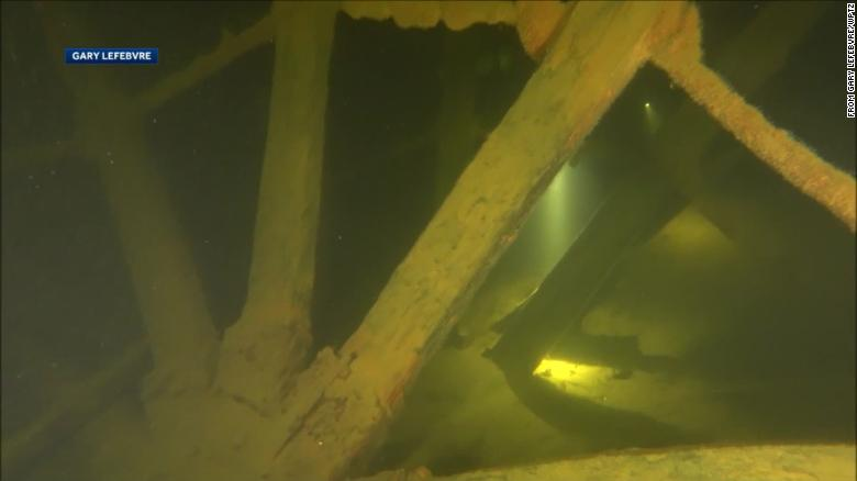 201-year-old steamship paddle wheels found in Lake Champlain belonging to one of the oldest wrecks of its kind in the US