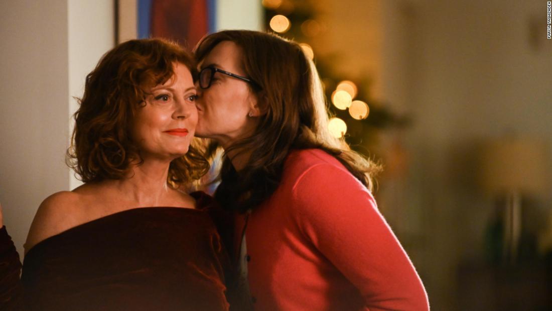 'Blackbird' showcases Susan Sarandon as a family copes with a fatal illness
