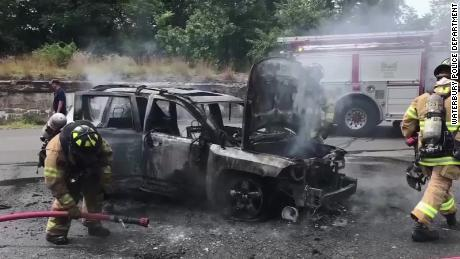 A brave Connecticut teen saves the lives of a mom and three children by pulling them from a burning car
