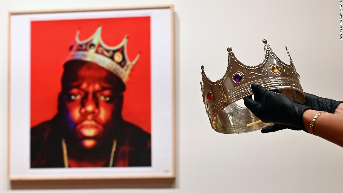 Notorious B.I.G.'s plastic crown sells at auction for almost $600K - CNN
