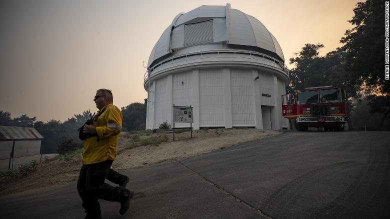 Wildfire comes within 500 feet of famed California observatory where Hubble explored the universe