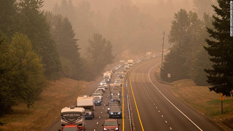 3 people arrested in Oregon accused of setting up illegal roadblocks near wildfire evacuation zones