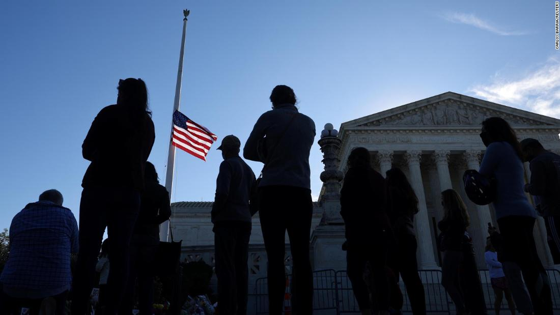 Analysis: As the nation mourns an icon, Democrats and Republicans fight over Supreme Court vacancy