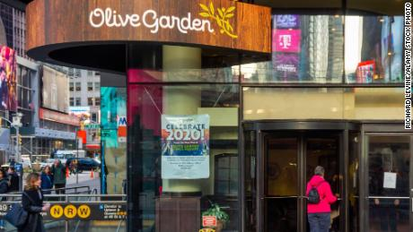 The Times Square Olive Garden is struggling.