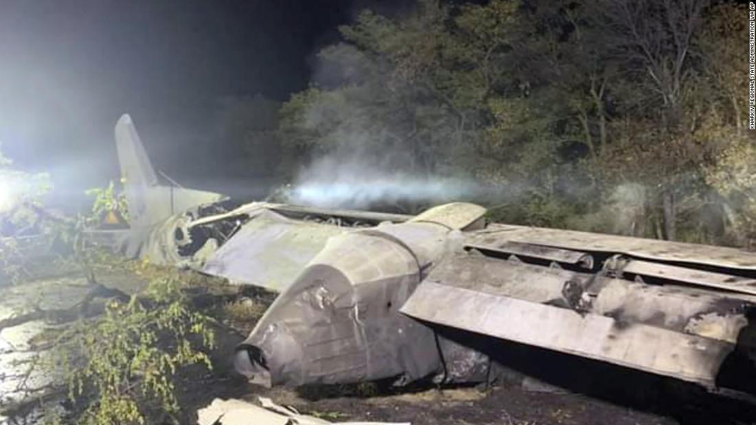 25 people killed in military plane crash in eastern Ukraine