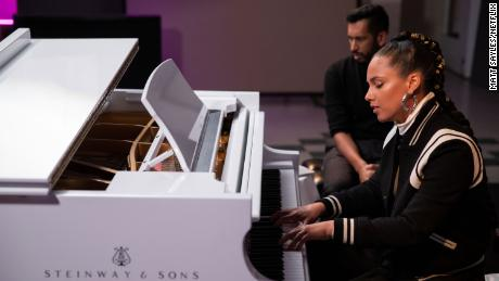 """""""Song Exploder"""" takes an in-depth look at how artists like Alicia Keys create a work of music."""