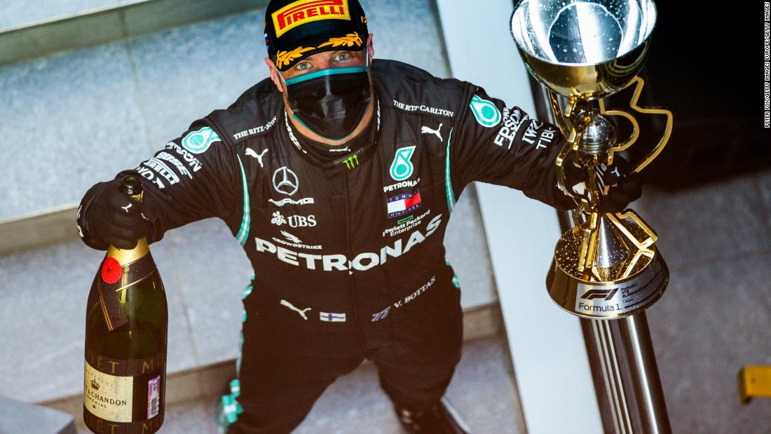 Valtteri Bottas wins Russian GP after Lewis Hamilton is handed 10-second penalty