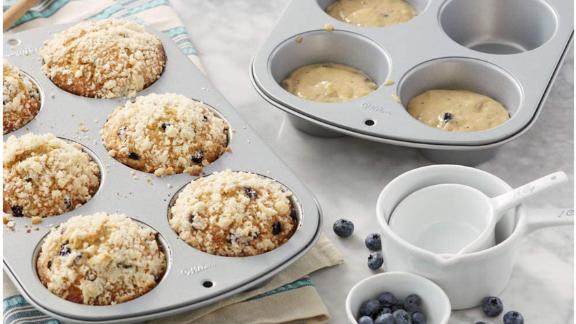 Wilton Nonstick 6-Cup Jumbo Muffin Pan, Set of 2