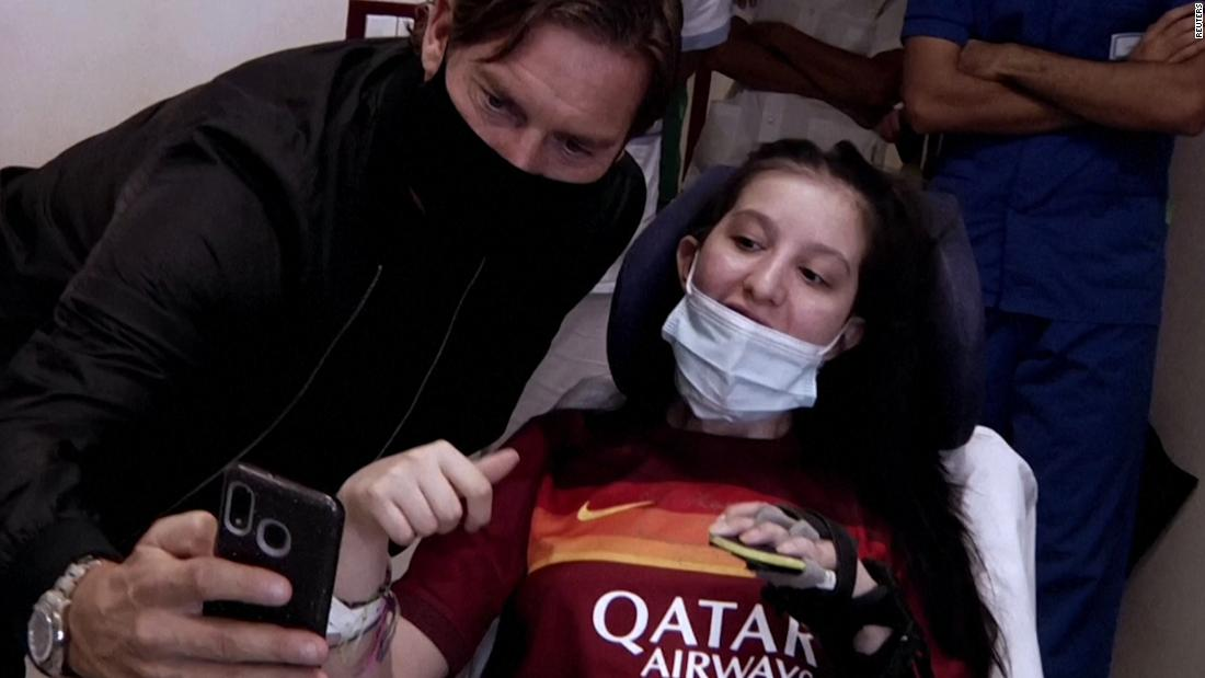 Roma legend Totti visits young fan who awoke from coma